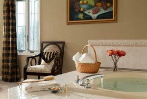 Marseilles Suite Bath