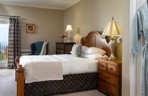 Orleans Suite Bed and Nightstand