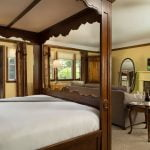 French-Manor-Rooms-Carriage-Genevieve
