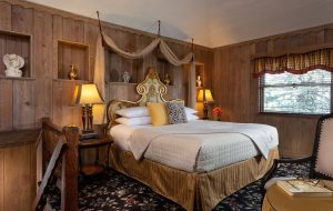 French Manor Turret Suite Bed