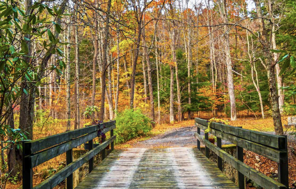 vacation guide to poconos mountains