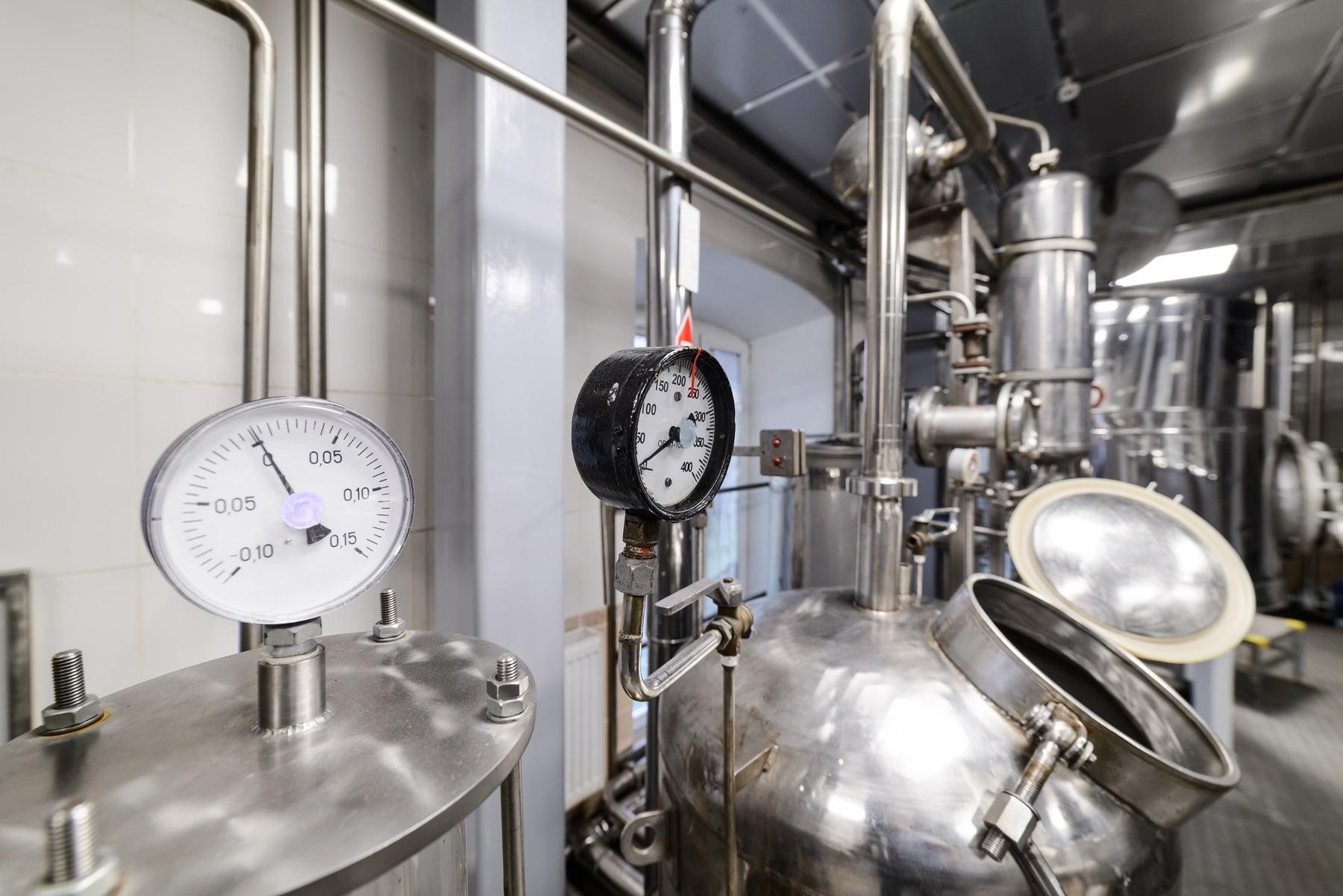 Pressure gauges. Alcohol distillation equipment